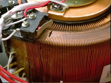 fig-4-de-praf-de-carbune-pe-bobinajul-autotransformatorului